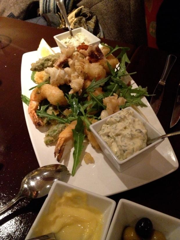 A Fritura Mixta (squid, prawns and asparagus)
