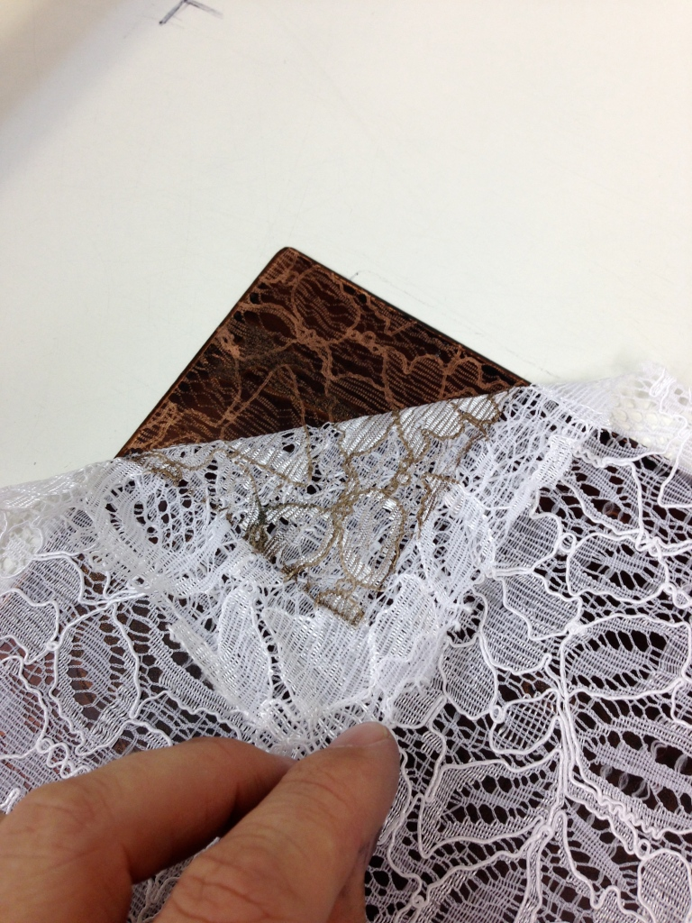 Applying a lace softground