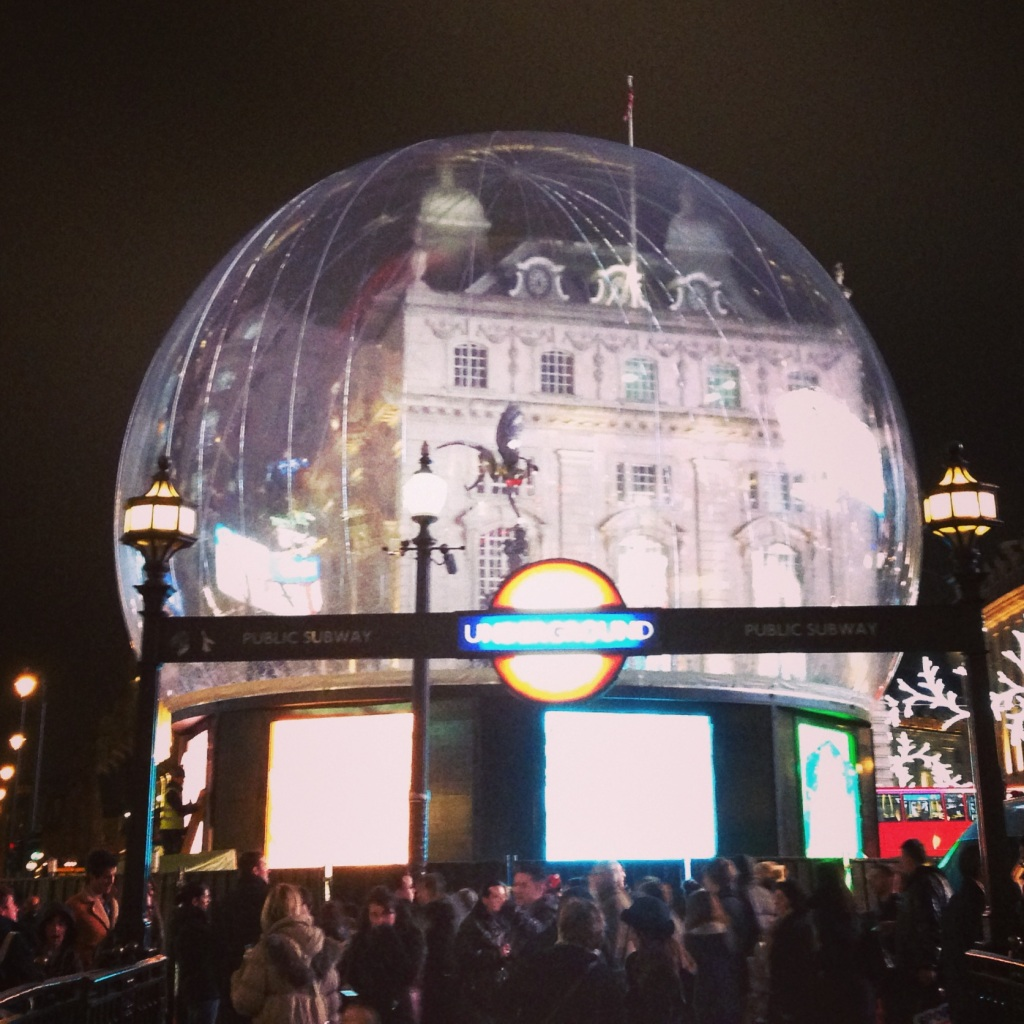 Such a cool idea - Eros turned into a snow globe