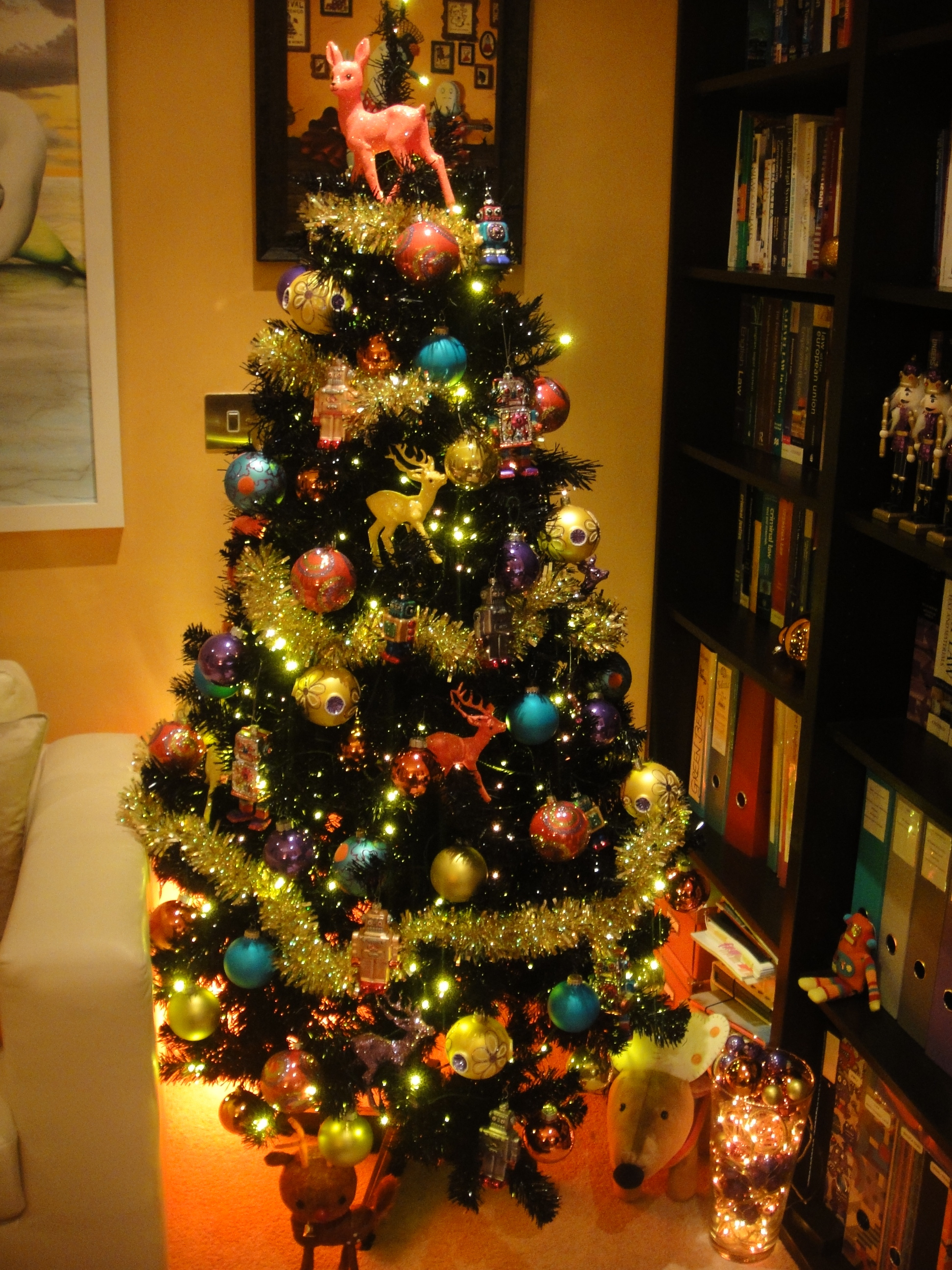 The daily norm s christmas tree of the week no 2 citrus How to decorate a christmas tree without tinsel